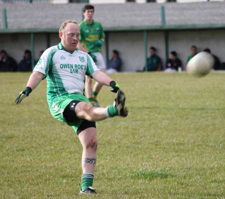 Action from the reserve division 3 senior game against Naomh Columba.