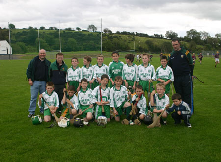 Aodh Ruadh under 12 team. Mentors Eddie Lynch, Peter Horan and John Rooney.