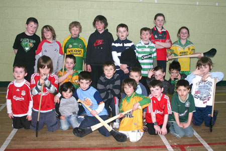 Group photo of under 8s and under 10s who took part in the Hurl-A-Thon on 28th March.