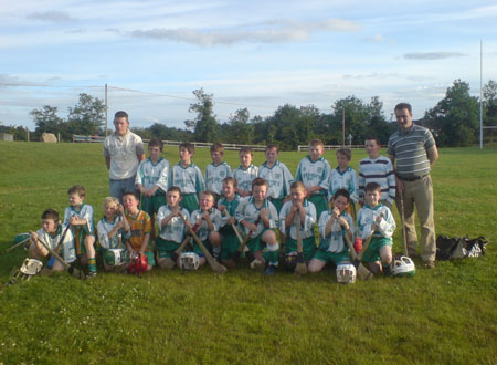 The Under 10 hurlers won a very enjoyable challenge game in Knocks, Co. Fermanagh on Friday, 29th June with a fantastic team performance. The highlight of a comprehensive victory was a great goal by Stephen Anderson, aged 7. Pictured are the team that traveled to Knocks along with their mentors Ciaran Kilgannon and John Rooney.