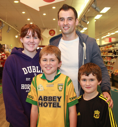 Some shots from the Supervalu bag pack and Karl Lacey's visit to Supervalu Bundoran.